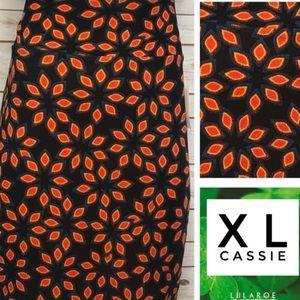 Size XL black and orange floral print pencil skirt